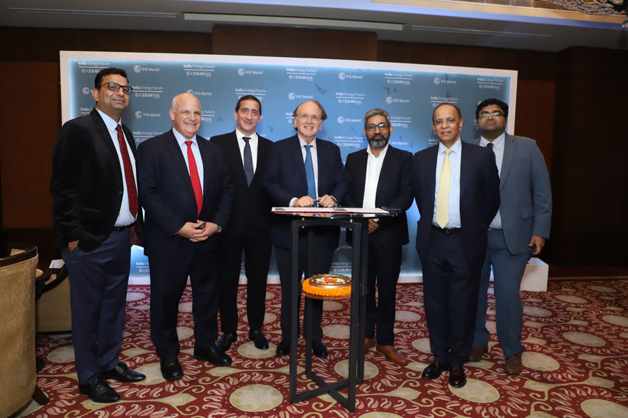 Manish Maheshwari, Chairman, Invenire Energy, with Daniel Yergin, founder of IHS CERA (now part of IHS Markit)